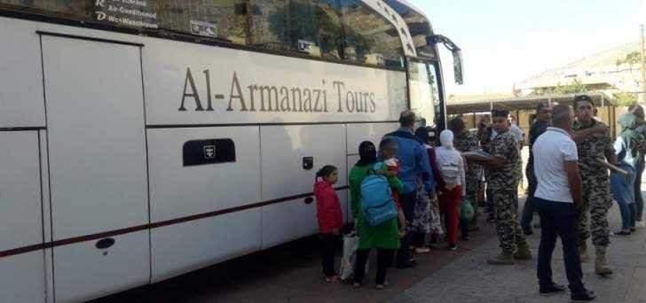 وصول دفعة جديدة من النازحين عبر مركز الدبوسية بريف حمص قادمين من لبنان