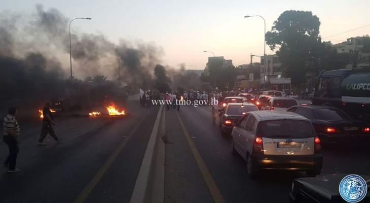العسكريون المتقاعدون بدأوا قطع الطرقات في عدد من المناطق