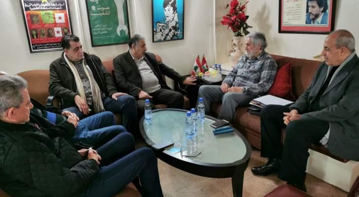 الخطيب ووفد الجبهة الشعبية لتحرير فلسطين: أنظمة عربية تنخرط بمخطط أميركي- صهيوني لتمرير صفقة القرن