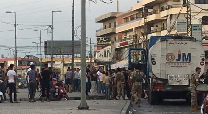 محتجون يوقفون صهريج مازوت في بحنين المنية