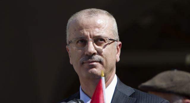 الرئاسة الفلسطينية تتهم حماس في تفجير وإطلاق النار على موكب الحمدالله