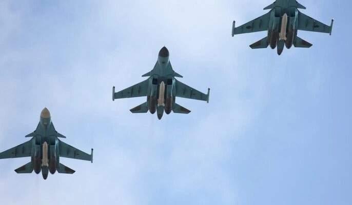 """المرصد السوري: أكثر من 50 غارة روسية على مناطق انتشار """"داعش"""" بالبادية السورية"""