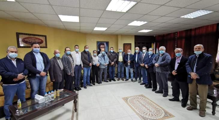 مسؤول منطقة صيدا في حزب الله التقى وفدا من مخاتير المدينة