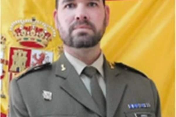 النشرة: الكتبية الاسبانية في اليونيفيل نعت الرقيب الاول خوان انغريسيا