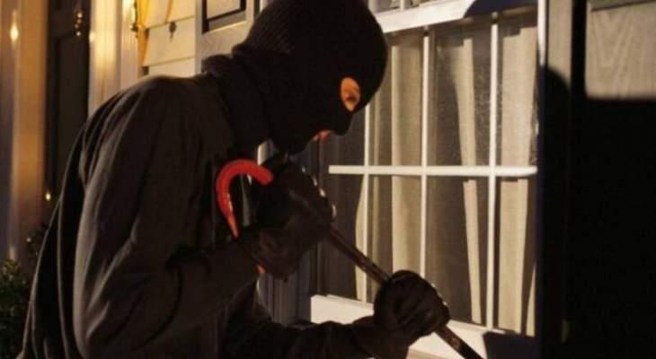 مجهولون سرقوا منزلا في بلدة جبرايل بواسطة الكسر والخلع
