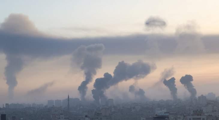 وسائل اعلام فلسطينية: قصف عنيف جدا لم يسبق له مثيل تتعرض له غزة في هذه الأثناء