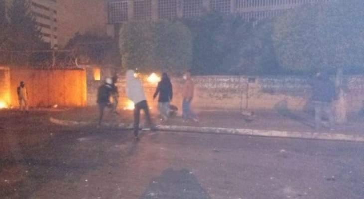 اطلاق رصاص كثيف في محيط سرايا طرابلس لتفريق المتظاهرين