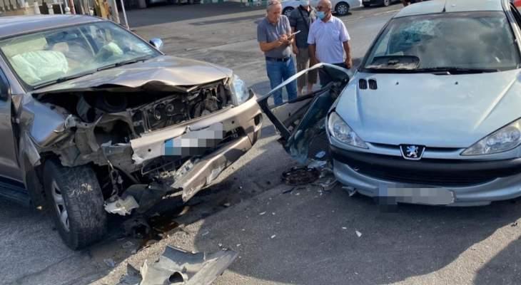 الدفاع المدني: جريحتان جراء حادث سير على طريق عام جل البحر - صور