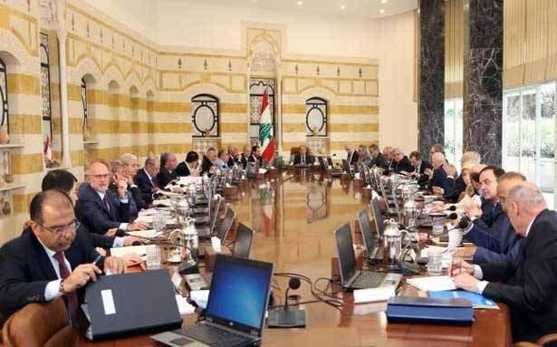 مصادر للانباء: اتجاهات لتعويم حكومة دياب تصطدم بوجود الحريري كرئيس مكلف