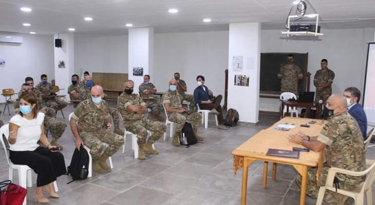 ورشة عمل حول المعايير الدولية التي ترعى عمل الشرطة وإدارة عملية السيطرة على الحشود بمشاركة ضباط من الجيش