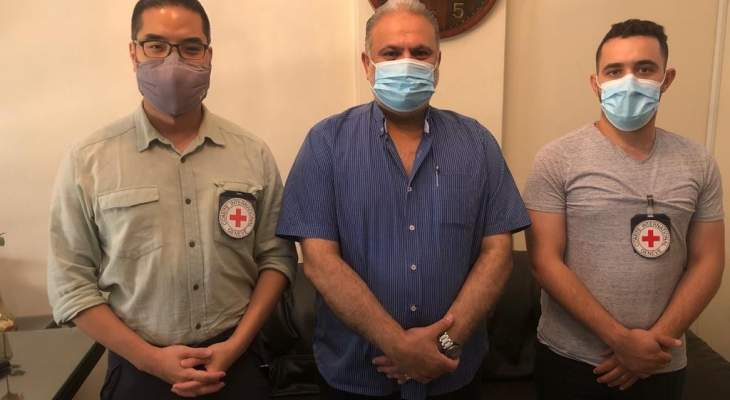وفد من البعثة الفرعية للجنة الصليب الأحمر بالجنوب زار عضو القيادة لحماس السياسية