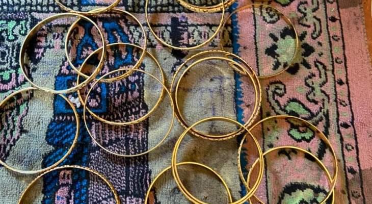 النشرة: القوة الأمنية الفلسطينية اعتقلت عصابة لسرقة المجوهرات في مخيم الرشيدية
