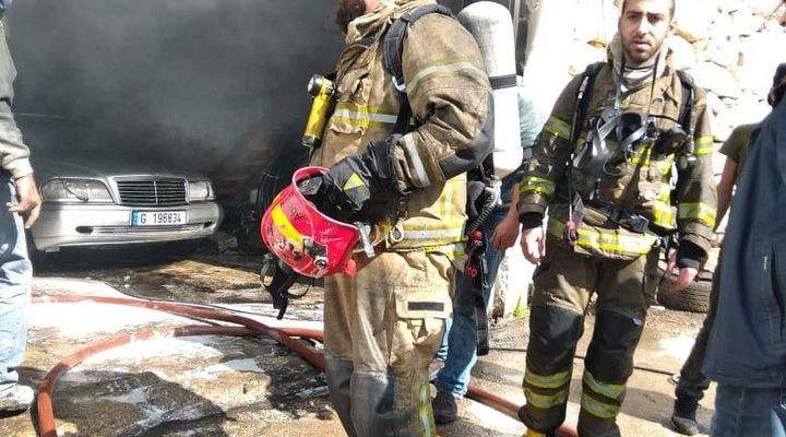 الدفاع المدني: إخماد حريق داخل كاراج لتصليح السيارات في عمشيت