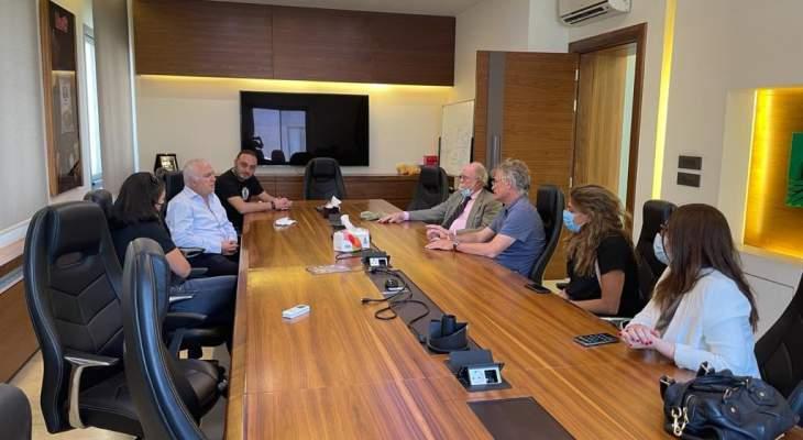 وفد من السفارة الأميركية زار ضاهر واطلع على أهدافه لخلق بيئة أعمال لتثبيت الشباب بأرضهم