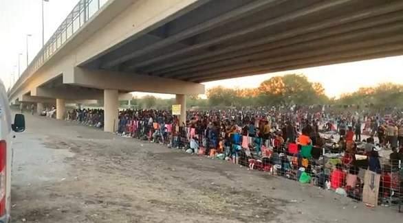 السلطات الأميركية تتعهد تسريع وتيرة ترحيل المهاجرين المحتجزين تحت جسر في تكساس