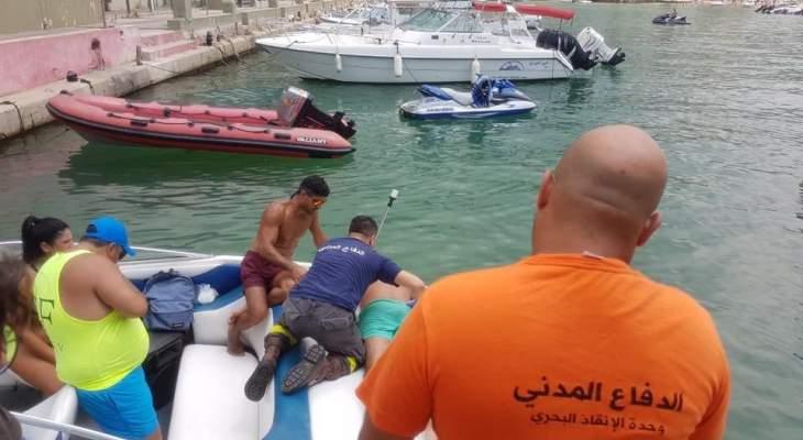 الدفاع المدني: مصاب إثر سقوطه عن زورق سياحي مقابل خليج جونية