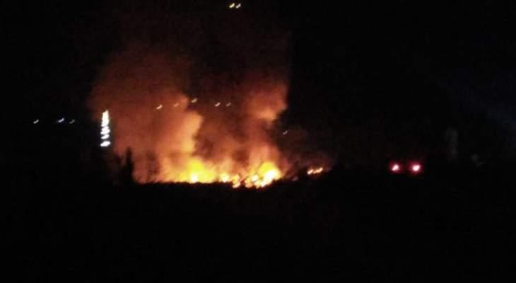 النشرة: حريق في مخيم للنازحين السوريين على طريق المصنع