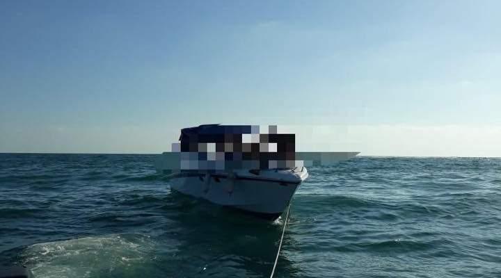 الدفاع المدني: سحب زورق سياحي على متنه 7 أشخاص إلى ميناء صور بعد تعطل محركه
