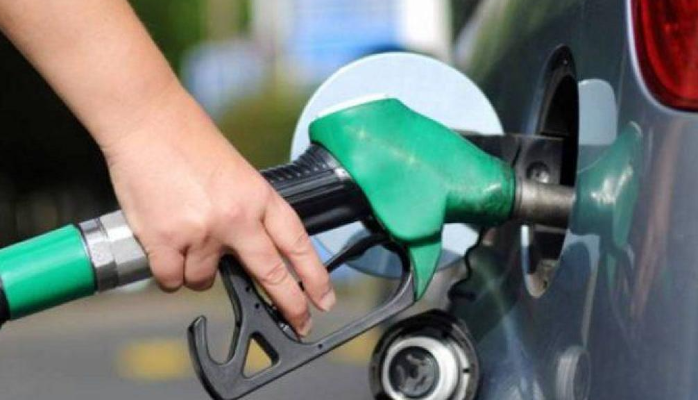 قطع الطريق في بلدة الخرايب احتجاجًا على عدم تعبئة البنزين