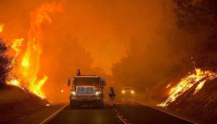 """""""مركز مكافحة الحرائق"""": 71 حريقاً مشتعلاً في جميع أنحاء أميركا بسبب إرتفاع درجات الحرارة"""
