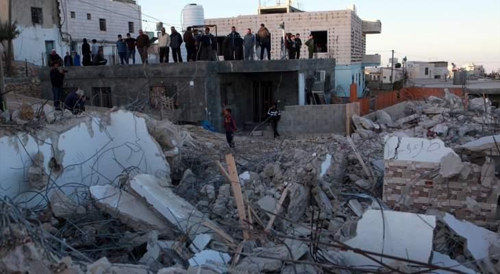 القوات الإسرائيلية هدمت 4 منازل في بيت كاحل بالشمال الغربي من الخليل