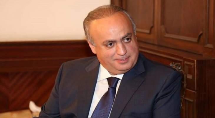 وهاب: اللبنانيون المصابون بداء بشار الأسد يمكنهم زيارة مستشفى العلاج بموسكو حيث عولج ترامب