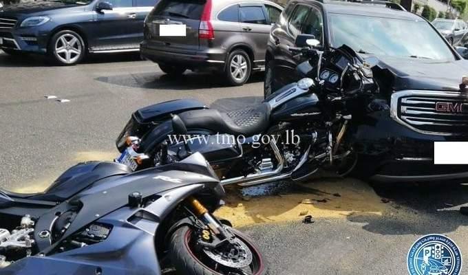 جريح نتيجة تصادم بين مركبة ودراجتين ناريتين على طريق عام جعيتا