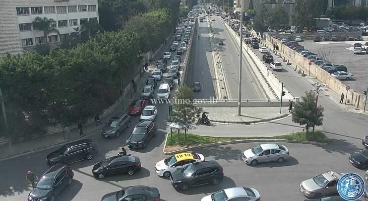 التحكم المروري: حركة المرور كثيفة من المتحف بإتجاه العدلية