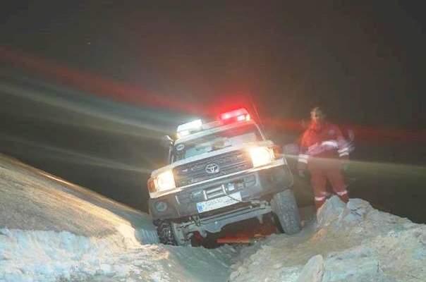 إنقاذ شخصين حوصرا بالثلوج داخل سيارتهما على طريق الضنية الهرمل