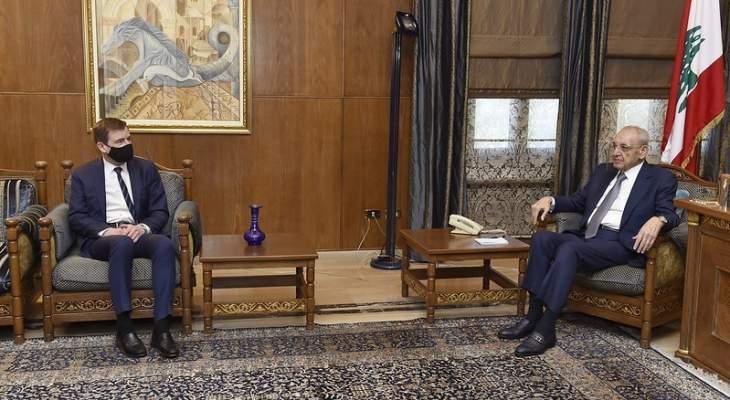 هيل: حان الوقت لكي ندعو القادة اللبنانيين إلى إبداء المرونة الكافية لتشكيل حكومة
