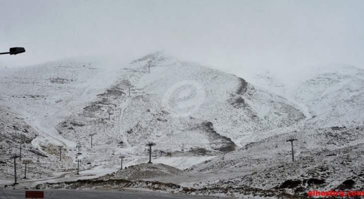 طرق عيناتا الارز وحدث بعلبك كفرذبيان ومعاصر الشوف كفريا مقطوعة بالثلوج