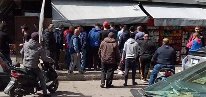 ناشطون في الميناء جالوا في المحال التجارية لخفض تسعيرة البضائع