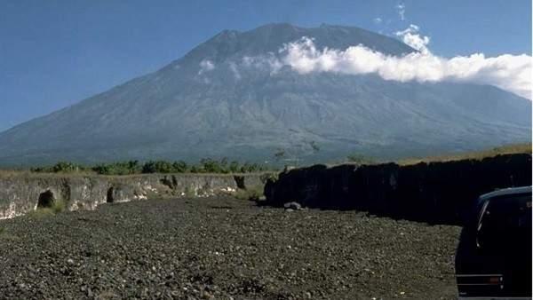 ثوران بركان جبل ايويامافيجنوب غربي اليابان