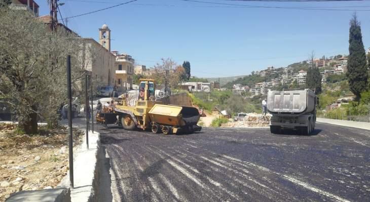 بلدية حاصبيا أطلقت المرحلة الأولى في تعبيد طريق البلدة والمنطقة بالاسفلت
