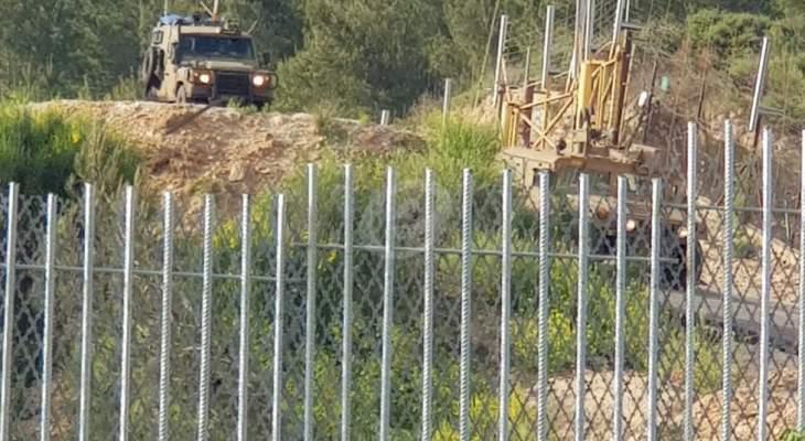 النشرة: قوة عسكرية إسرائيلية مشطت الطريق العسكري المحاذي للسياج الحدودي