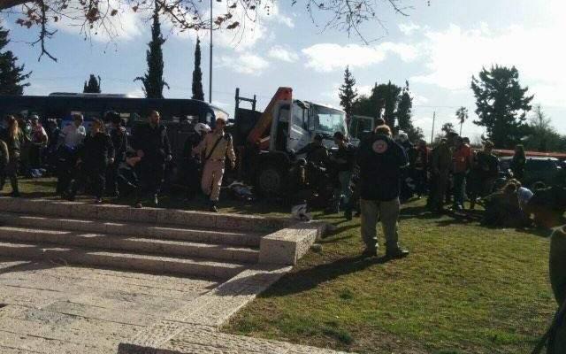 7 جرحى من الجنود والشرطة الإسرائيليون بعملية دهس بحي الشيخ جراح بالقدس