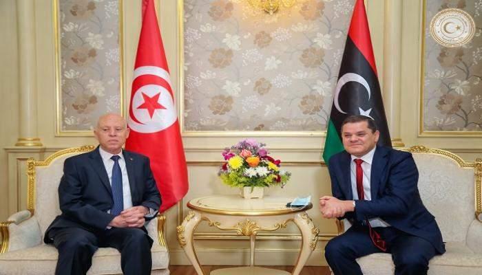 سعيّد اتفق مع الدبيبة على التنسيق لإعداد بروتوكول موحد لعودة الحركة البرية والجوية بين ليبيا وتونس