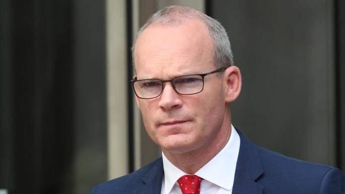 وزير خارجية إيرلندا: بوريس جونسون يضع بريطانيا على مسار صدام مع أوروبا
