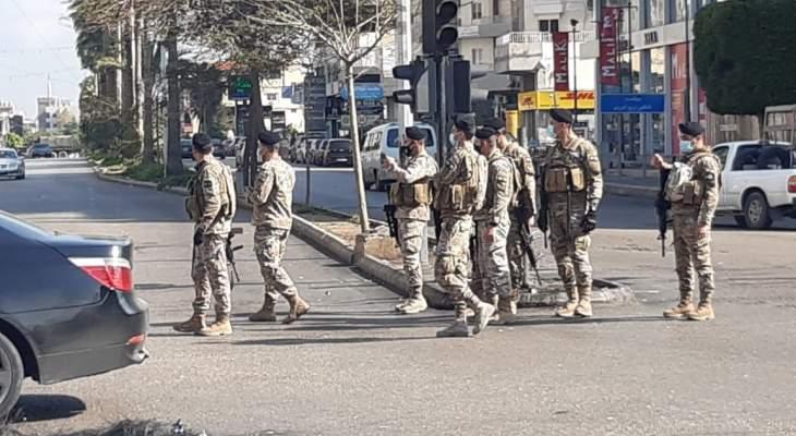 النشرة: الجيش أعاد فتح الطرقات عند تقاطع ايليا وساحة النجمة بصيدا