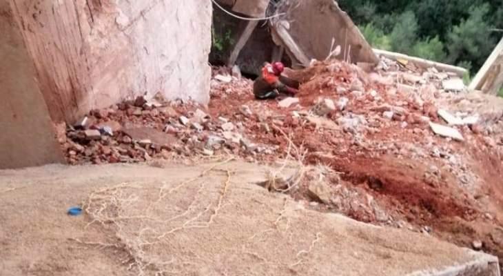 """الدفاع المدني: سقوط """"تراس"""" ملاصق لمبنى سكني في بشامون ولا إصابات"""