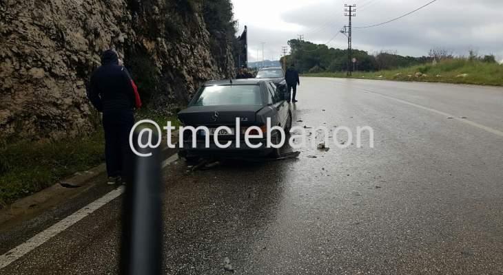 التحكم المروري طلبت توخي الحذر على طريق عام سهيلة بسبب تسرب مادة المازوت