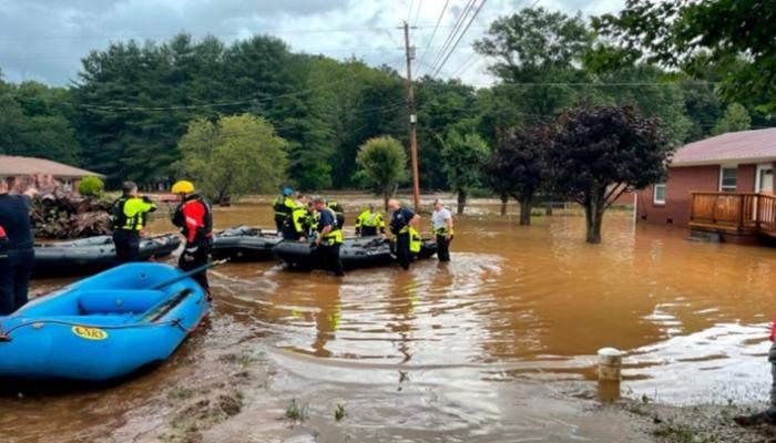 قتيلان و20 مفقوداً في فيضانات في كارولاينا الشمالية
