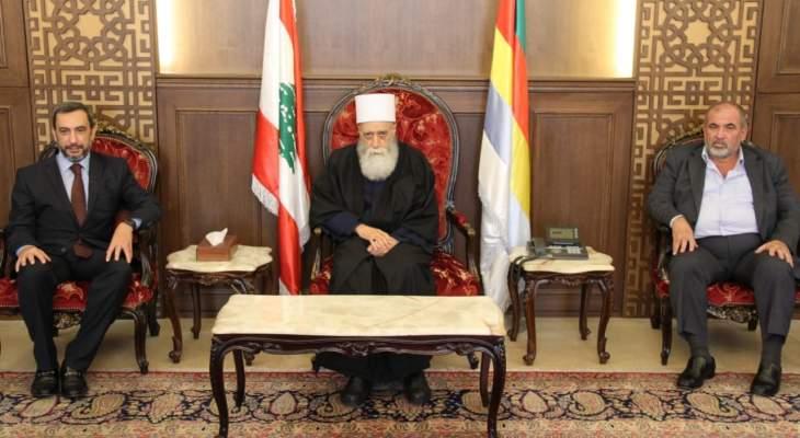 شيخ العقل نعيم حسن يلتقي وفدا من الجماعة الإسلامية وقائد جهاز أمن السفارات