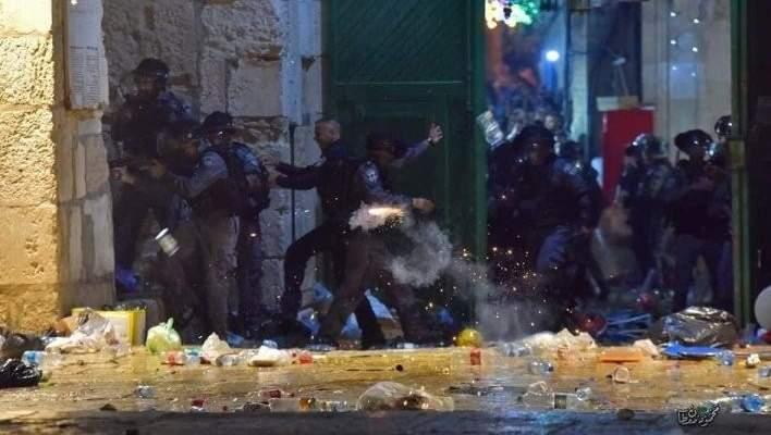 أكثر من 180 جريحاً بالقدس بصدامات بين الشرطة الإسرائيلية وفلسطينيين