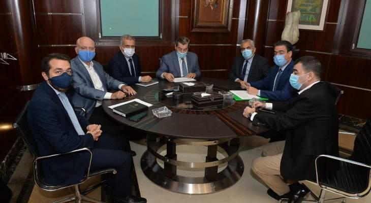 وفد من نواب تكتل لبنان القوي بحث مع الفرزلي اقتراحات قوانين لمساعدة الناس بعد انفجار المرفأ