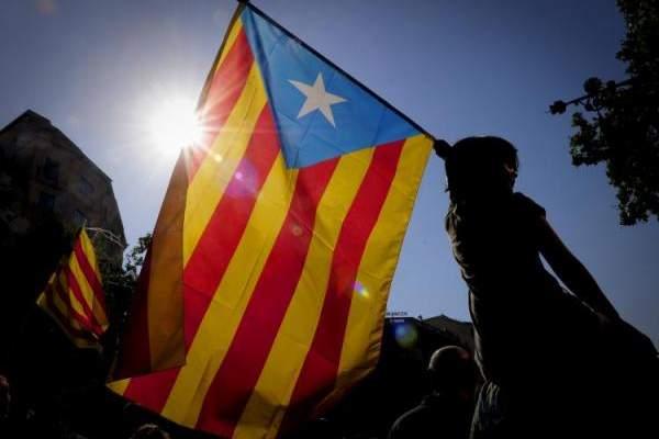 اشتباكات جديدة في برشلونة بين المحتجين الانفصاليين والشرطة الإسبانية