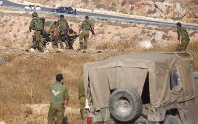 إصابة 5 جنود إسرائيليين جراء تسرب غاز مسيل للدموع في قاعدة تسليم بالنقب