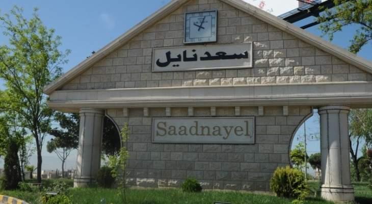 رئيس بلدية سعدنايل: لا مسلحين بالمنطقة كما أُشيع والطريق مقطوعة والجيش على الأرض