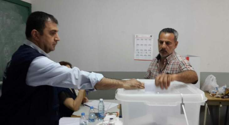 """حكومة """"التوازنات الدقيقة""""..هل تُجري الانتخابات الرئاسية والنيابية المقبلة؟"""