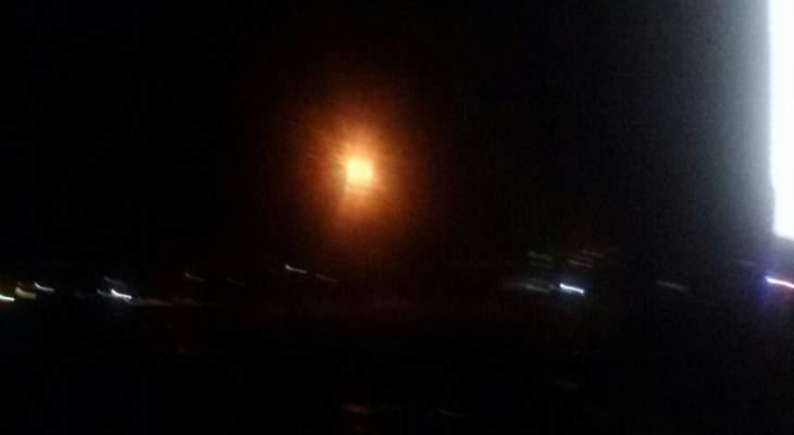 النشرة: إطلاق قنابل مضيئة من قبل الجيش الإسرائيلي فوق وادي هونين جنوب بلدة العديسة